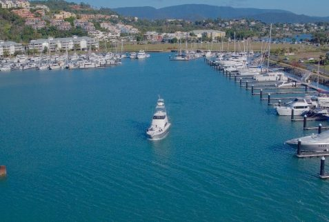 Airlie Beach Port Of Airlie Topnotch Game Fishing Charters